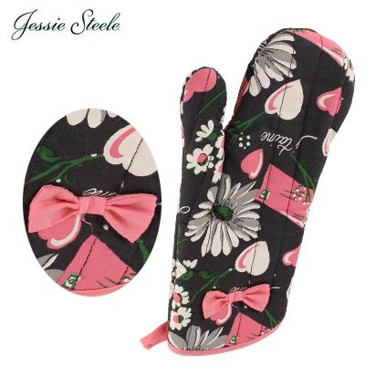 �y365��o�בΉ��z Jessie Steele �W�F�V�[�X�e�B�[�� Oven Mitt w/Bow �I�[�u���~�g�� Floral Love Letters �t���[�������u���^�[ 505-JS-241